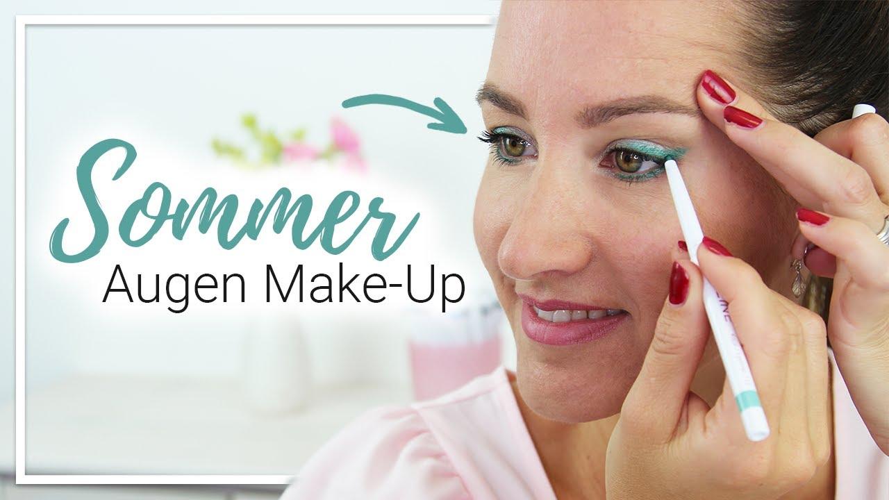 Sommerliches Augen Make-Up in Smaragdgrün