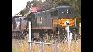 Bairnsdale log train X37-T402 at Stratford October 2000