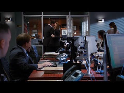 Download Bones 9x04 - Booth kisses Brennan in front of his office