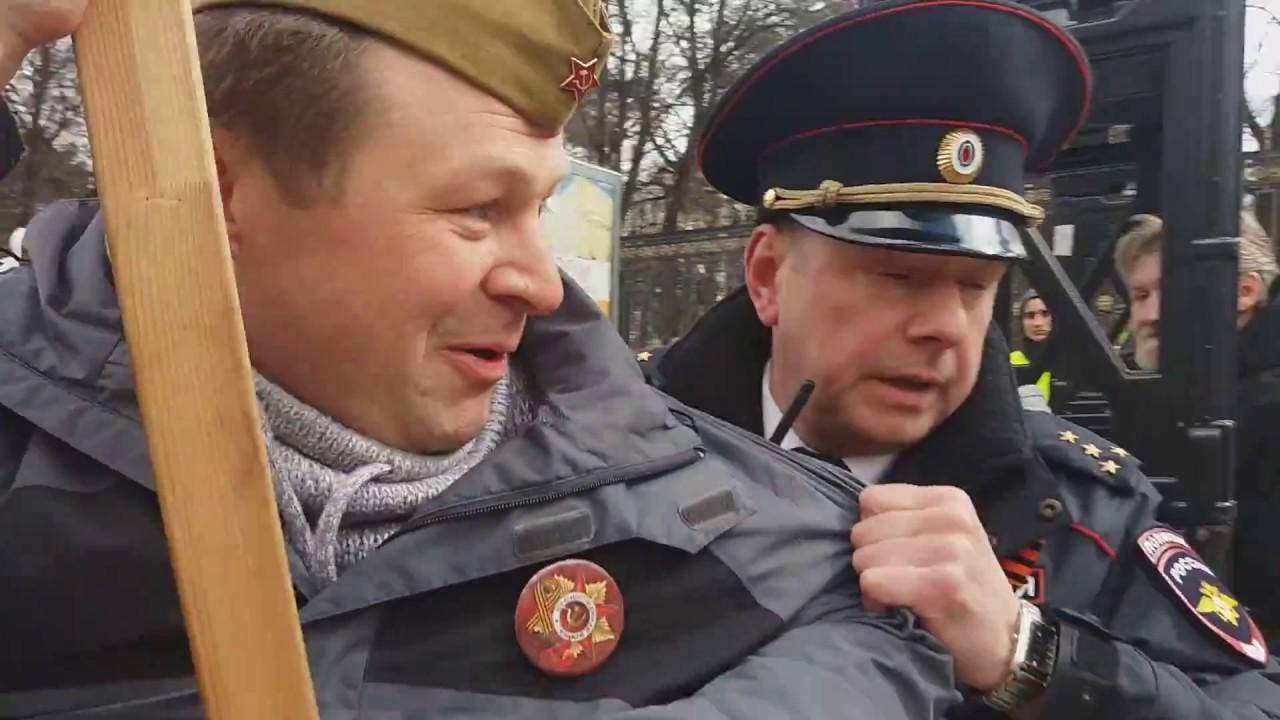 С портретом Сталина не пустили на шествие Бессмертного полка.