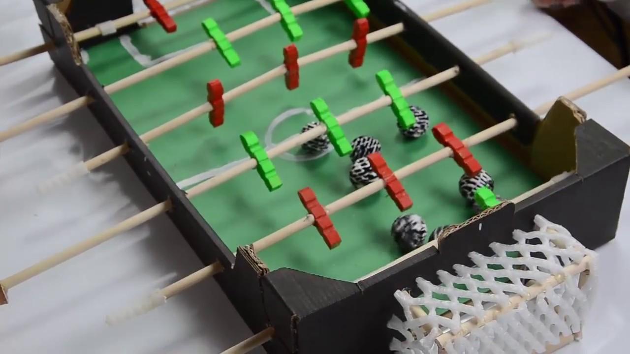 Mini foosball table peque o futbol n casero youtube for Bar casero de madera