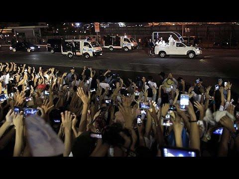 Papa Francis Asya turu kapsamında...