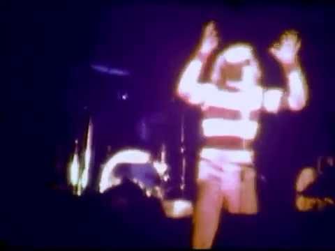 Genesis ao vivo em Porto Alegre no Gigantinho em 1.977