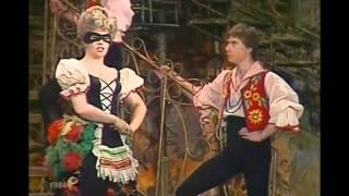 Летучая мышь  ( Московский театр оперетты -1984 )(, 2012-02-25T00:50:22.000Z)