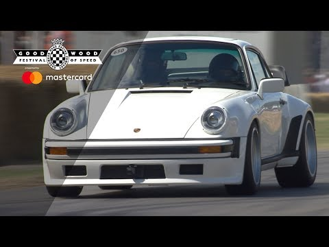 F1-Engined Porsche 911 Sounds Heavenly During Goodwood Run