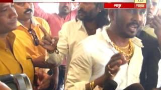 स्पेशल रिपोर्ट : सनी लिओनी लातुरात आली, दोन गुन्ह्यांचं गिफ्ट देऊन गेली