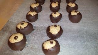 Bullseye (Buckeye) Peanut Butter Balls - CHRISTMAS