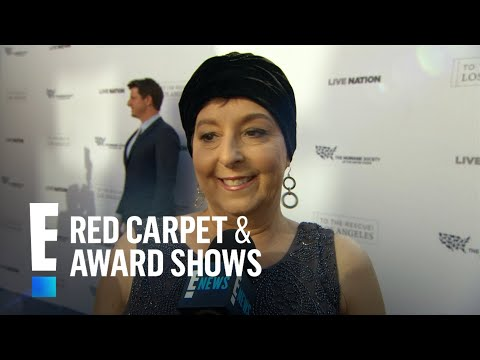 Christina Grimmie's Mother Accepts Her Award | E! Live from the Red Carpet