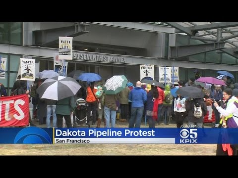 Dakota Pipeline Protesters Block SF Federal Building After Project Gets OKd