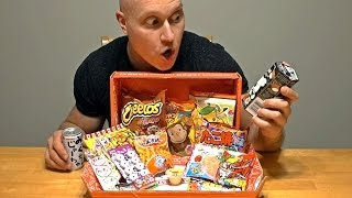 CANADIAN TRIES 10 JAPANESE SNACKS!