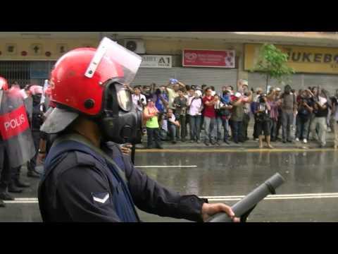 Bersih 2.0 - Tear Gas #2 @ Puduraya (KL)