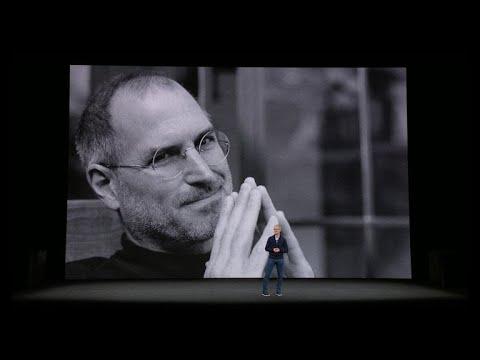 Tim Cook inicia el evento del iPhone con emotivo homenaje a Steve Jobs