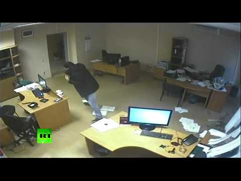 Dramatic CCTV: Meteorite blast wave blows out doors, windows in Russia