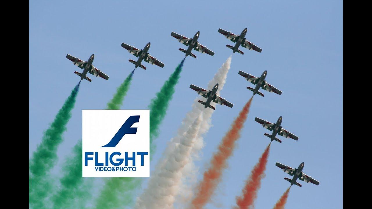 Frecce Tricolori Pattuglia Acrobatica Nazionale PAN 313 Gruppo  Addestramento Acrobatico - YouTube