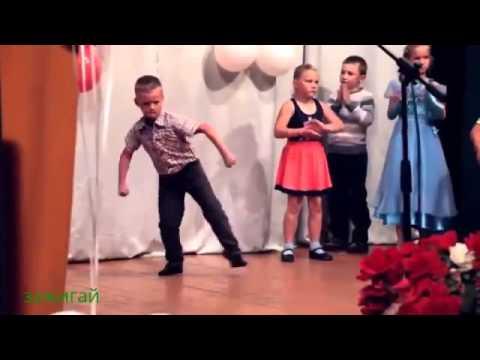 У этого пацана явный талант к танцам Талантливые дети