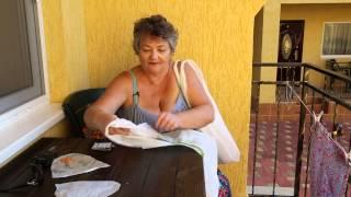 Пляжная сумка своими руками - Как сделать сумку на море своими руками(Как сделать сумку на море своими руками - видео из Одесссы. Мой вариант как дешево сделать сумку на море..., 2014-07-26T05:56:37.000Z)