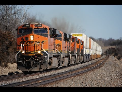 HD: Hot Action On The BNSF Marceline Subdivision