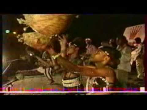 "Oumou Sangare 1993 part 1 ""fantan ni dimi"""