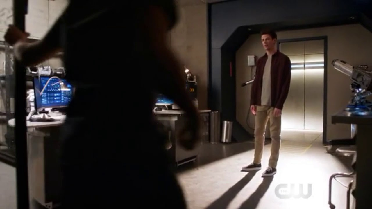 Download The Flash 4x22/Barry, Cisco, and Caitlyn try to enter Flashtime