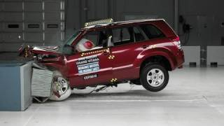 2008 Suzuki Grand Vitara moderate overlap IIHS crash test(2008 Suzuki Grand Vitara 40 mph moderate overlap IIHS crash test Overall evaluation: Good Full rating at http://www.iihs.org/ratings/rating.aspx?id=984., 2010-08-19T19:26:08.000Z)