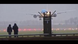 storm schiphol klm asia b777 ph bql strong crosswind landing amsterdam airport schiphol
