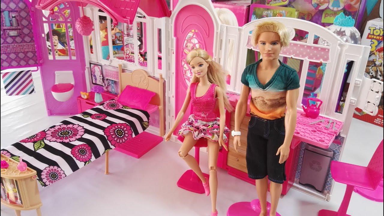 Barbie nos ense a su casa de vacaciones port til Glam Getaway