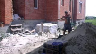 Стяжка пола цементно-песчаная машинная полусухая . http://www.rokos-kiev.com 067 4421101(, 2013-07-19T15:32:59.000Z)
