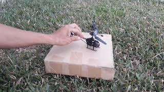 Thử đem máy bay điều khiển xiêu nhỏ ra công viên bay lên cao gặp gió rơi xém tiêu!!!