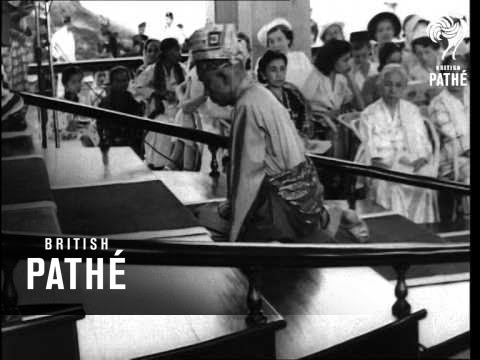 Bringing Down The Royal Regalia - Malaya (1952)