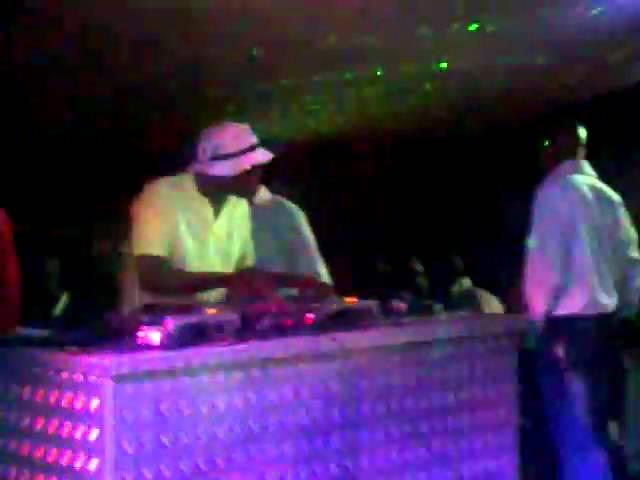 Shaking Song - DJ Sgqemeza Feat  DJ Fale Sound | Shazam