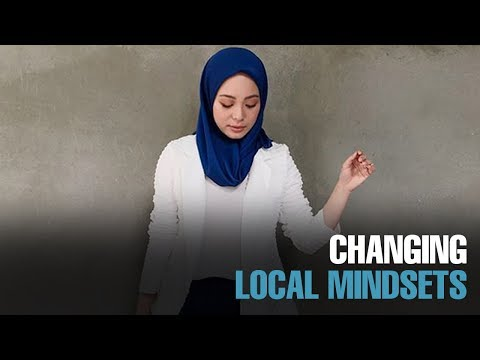 NEWS: Vivy Yusof: Local designers talented but not business savvy