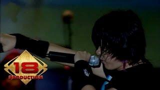 Gambar cover Gigi - Nakal (Live Konser Makasar 24 Februari 2008)