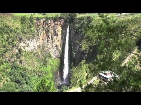 Sipiso-Piso water falls (Sumatra - Indonesia)