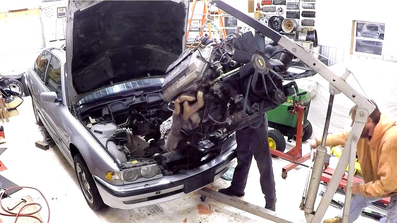 Removing Engine Trans From A 2001 Bmw 7 Series E38 Youtube