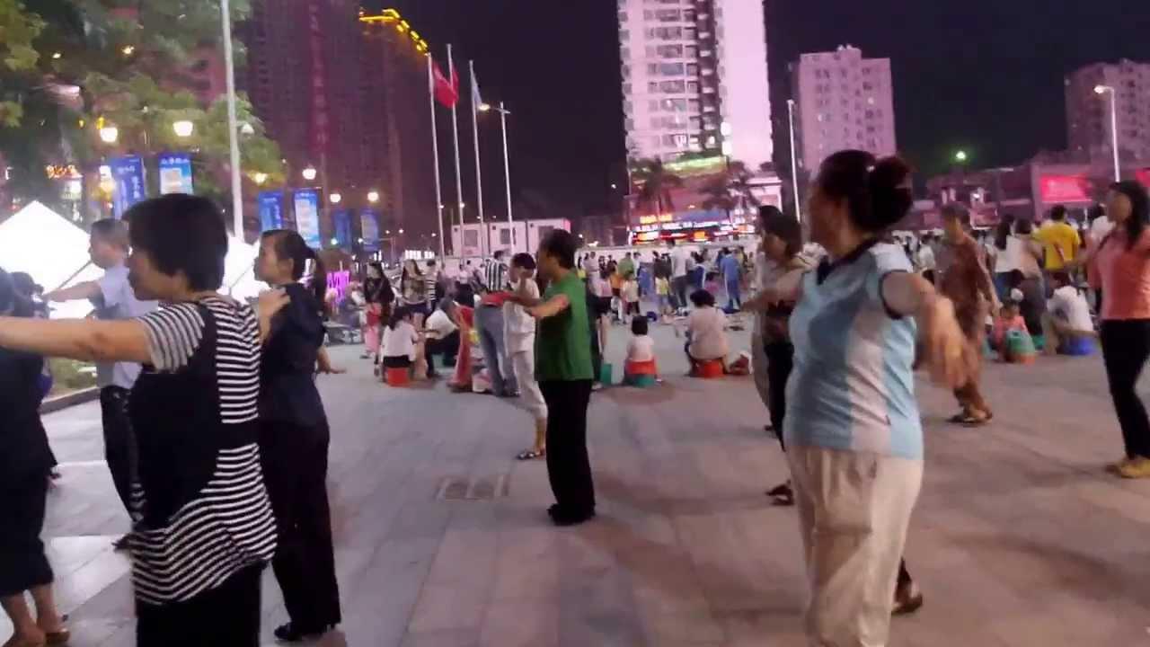 Walking Down The Street In The Shenzhen Bao An District Youtube
