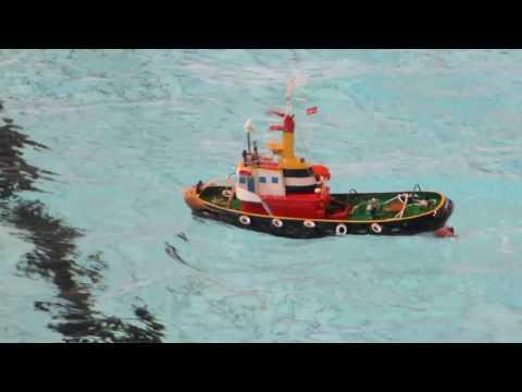 Robbe Neptun - Scale RC tug boat