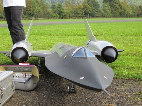 Roger Knobel ( A-12) SR-71 Blackbird Giant Remote Control Turbine Jet
