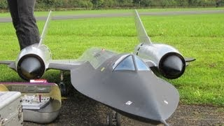 Repeat youtube video Roger Knobel ( A-12) SR-71 Blackbird Giant Remote Control Turbine Jet