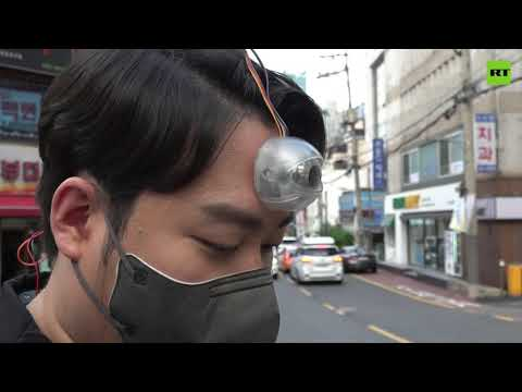 A must-have for 'phono sapiens' | New device to stay focused while walking