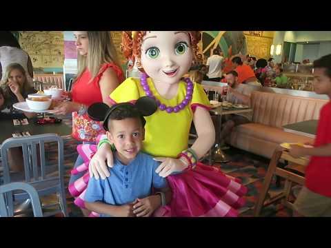 MEETING A CELEBRITY!!! |  Britt's Space  |  Disney  World Vlog