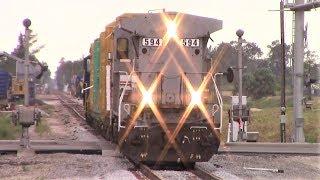 Seminole Gulf Railway freight train in Fort Myers, Florida thumbnail