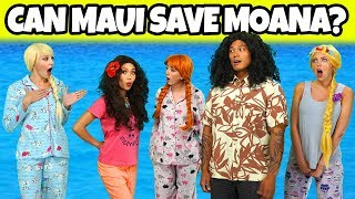 WHO WILL SAVE MOANA WHEN SHE LOSES HER MEMORY? (Totally TV Dress Up Characters)