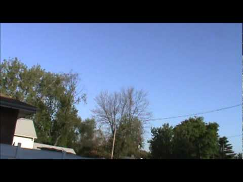 4/12/2011 -- Long rumbling (20 min or more) then mystery 'boom' -- St. Louis, MO - part 1