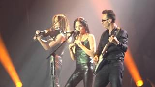 The Corrs - Belfast 2016 finale. Toss the Feathers