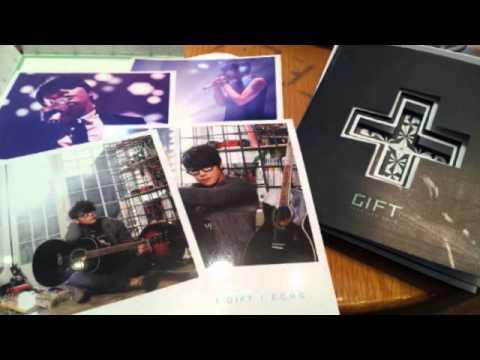 Park Hyo Shin 박효신 -  이상하다 (Acoustic Ver.)