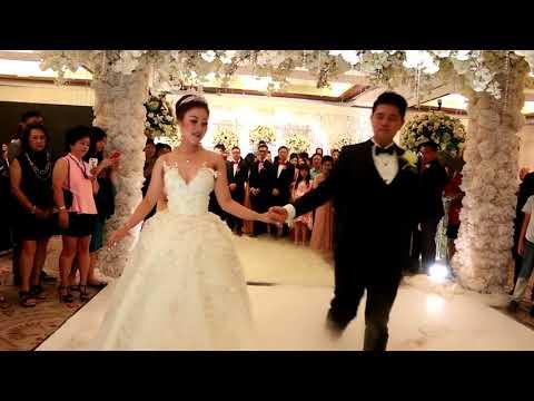 I Do - Eveline Wedding Dance | Andre & Christi | Mandarin Oriental | IG: @dancefirstindonesia