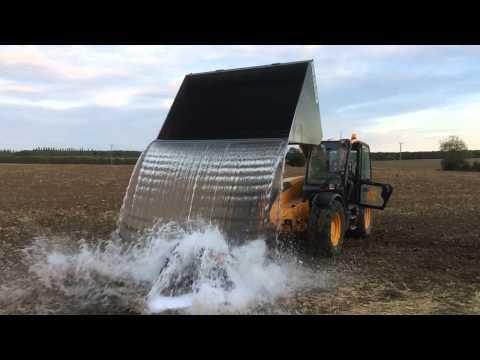 Jeremy Irvine  ALS Ice Bucket Challenge