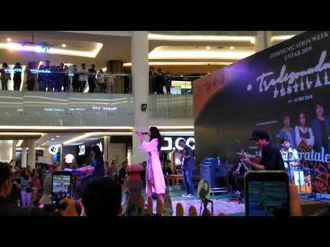 Widi Vierra Terlalu Lama  Di Pluit Mega Mall
