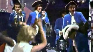 Watch Paul Revere  The Raiders Steppin Out video
