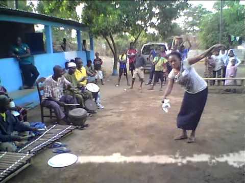 Wonuwali workshop in Guinea 2011-12, Gine fare party